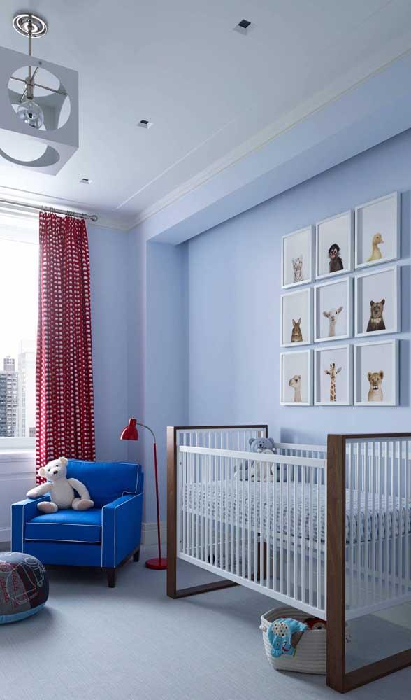 Coloque a poltrona de amamentação mais próxima do berço para facilitar na hora de pegar o bebê.