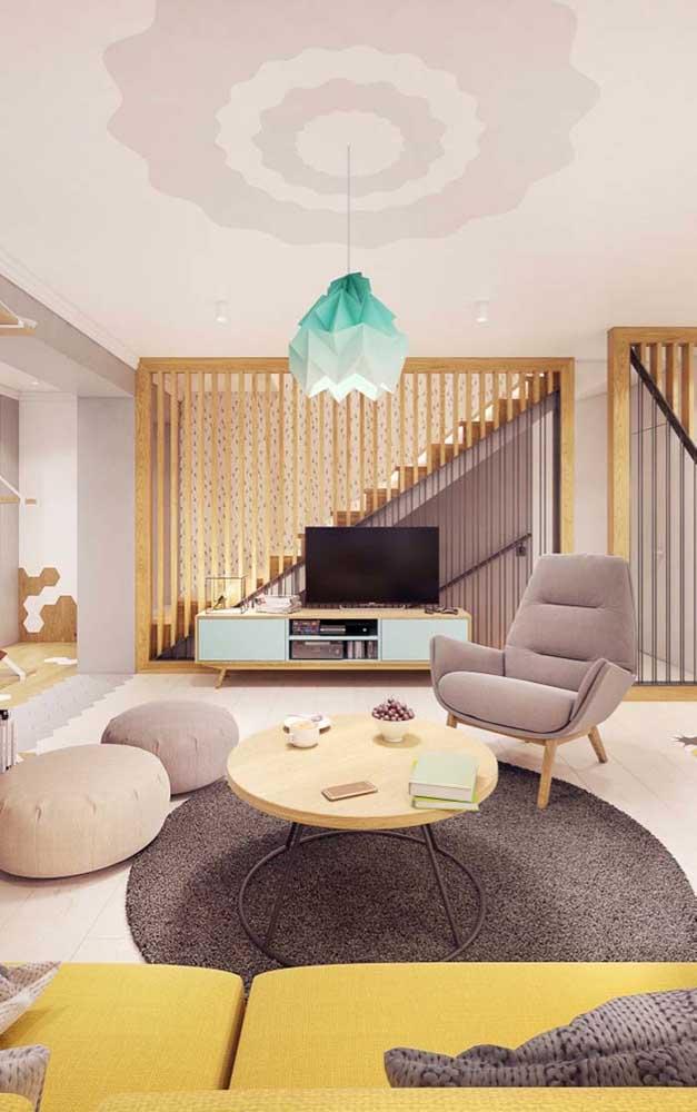 Que tal escolher um rack grande para sala de estar?