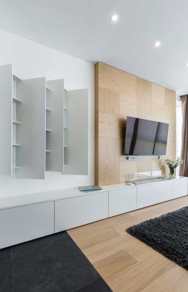 Procure combinar o rack com painel para sala e deixe o ambiente mais elegante.