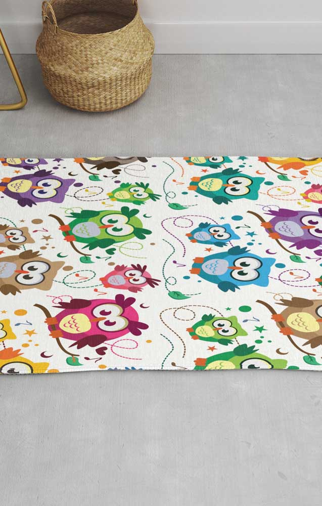 Ao invés de fazer apenas uma coruja no tapete, faça várias de diferentes modelos.