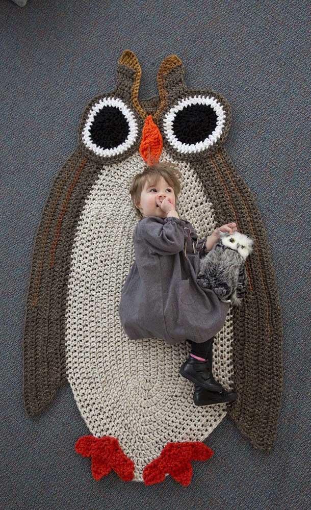 Mais uma opção de tapete de coruja gigante para as crianças se divertirem.