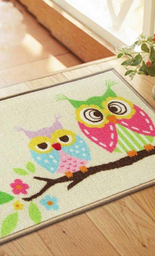 O tapete de barbante coruja é ideal para colocar na entrada dos ambientes.