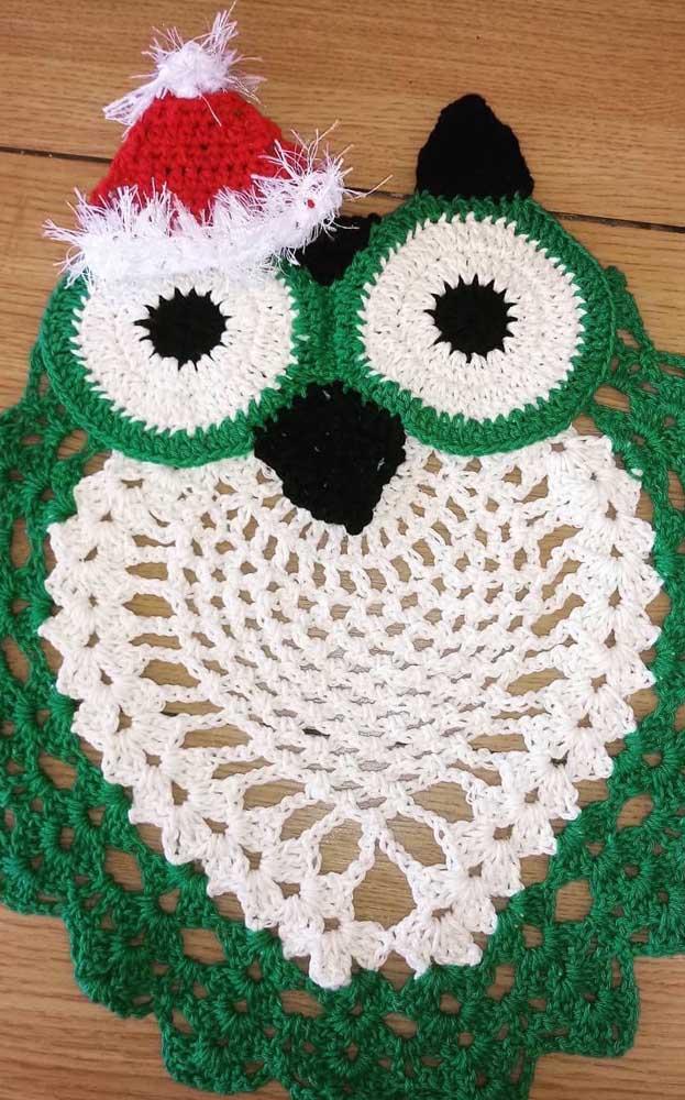 Você pode fazer um tapete de coruja inspirado no período de natal.