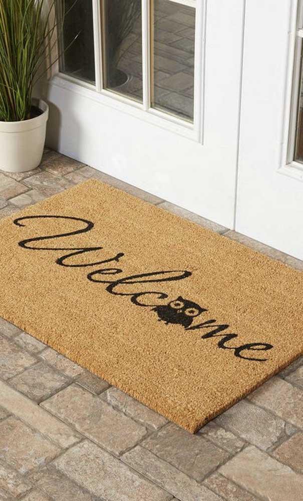 Que tal dar boas-vindas para seus convidados com um tapete de coruja?