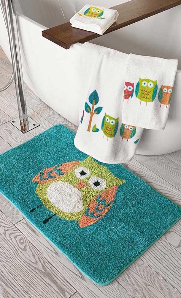 Olha que jogo de tapete coruja lindo para decorar o seu banheiro.