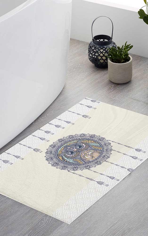 O tapete pode até ser simples, mas a figura da coruja pode ser a mais diferente.