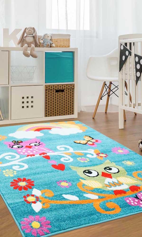 A coruja pode ser o tema da decoração do tapete do quarto infantil.
