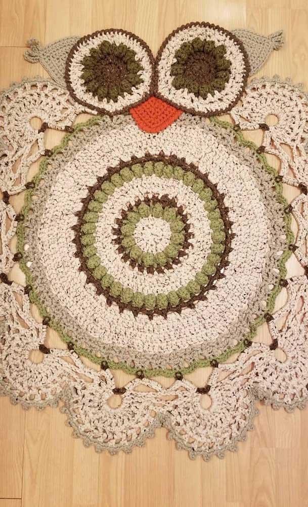Agora se a intenção é fazer algo mais artesanal, aposte no tapete de coruja de crochê