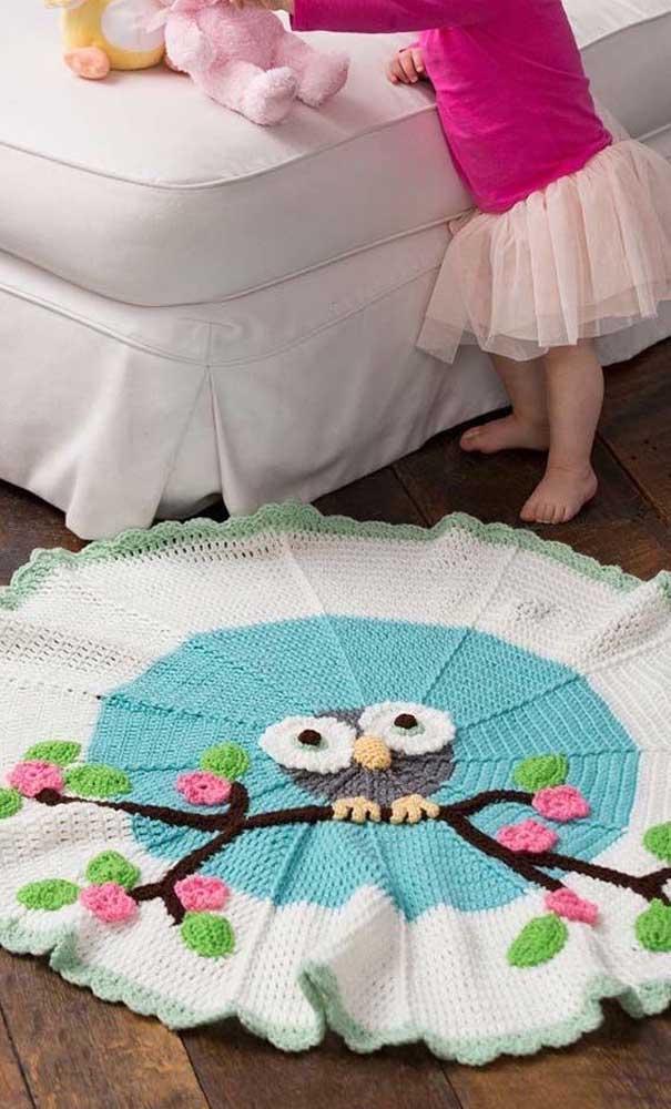 O tapete de coruja redondo é um item perfeito para colocar no quarto das crianças.