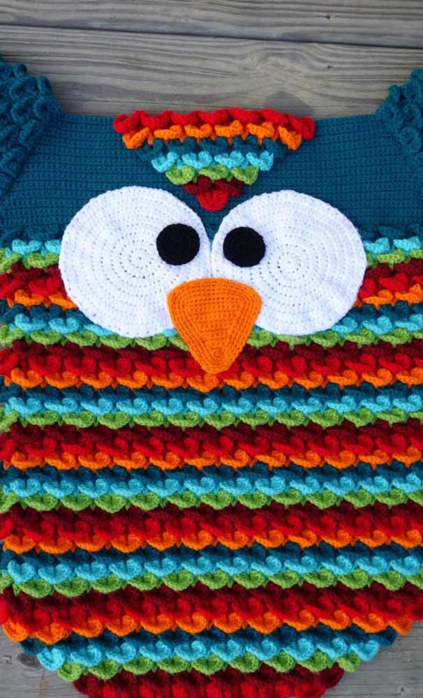 Olha que tapete de coruja mais colorido e fofo.