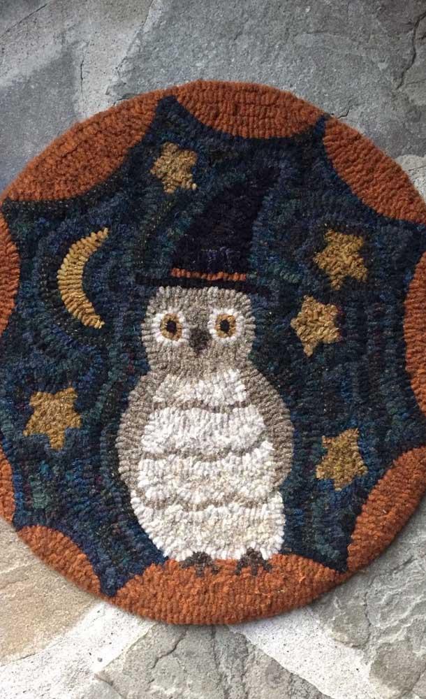 Quer um tapete de coruja fofo como esse para decorar algum ambiente da sua casa?