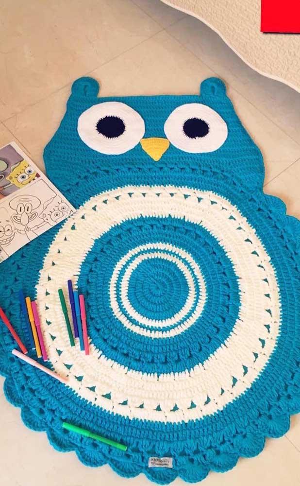 Que tal escolher um tapete de coruja azul para decorar o quarto das crianças?