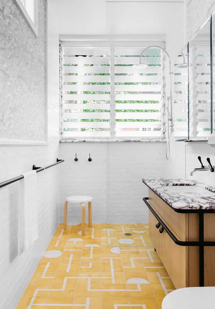 Aposte em uma decoração criativa na hora de fazer o banheiro feminino.