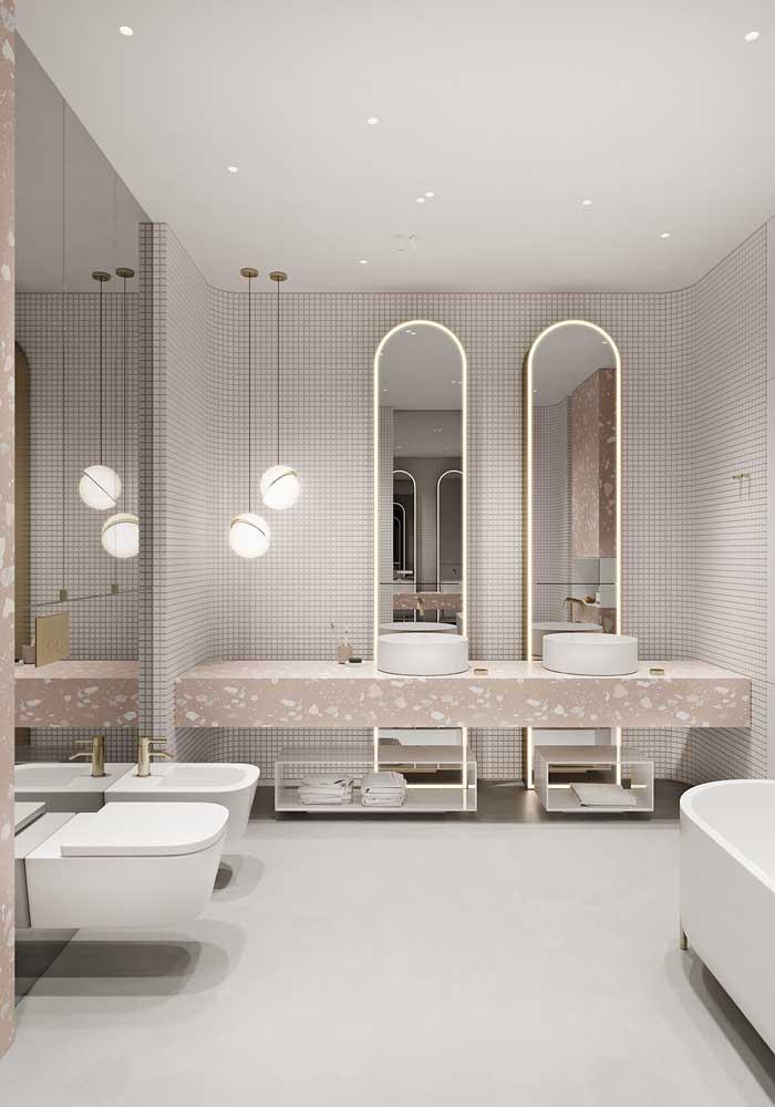 Lembre-se que o espelho é um símbolo banheiro feminino.