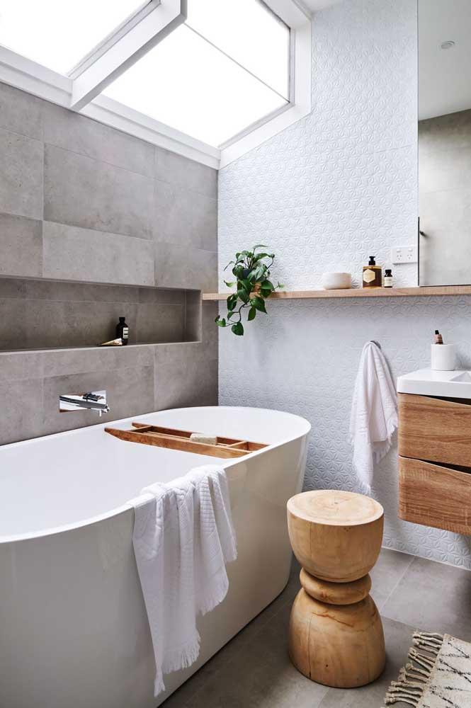 Quem não deseja ter uma banheira para relaxar depois de um dia agitado?