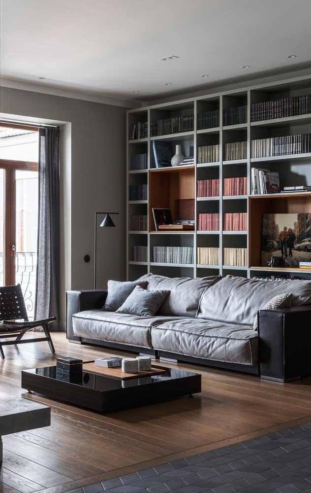 Que tal apostar em uma sala com sofá cinza?