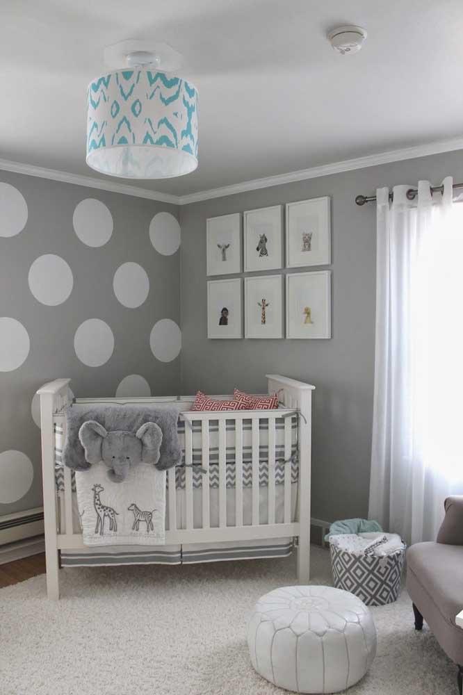 Ou decorar o quarto inteiro do bebê na cor cinza.