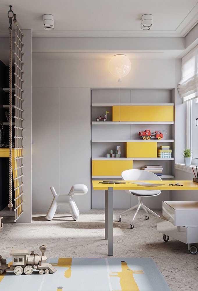 Veja como você pode combinar as cores cinza e amarelo.