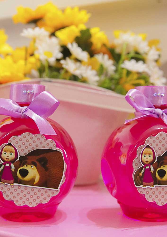 Que tal presentear os convidados com um mimo especial, mesmo na festa Masha e o Urso simples?