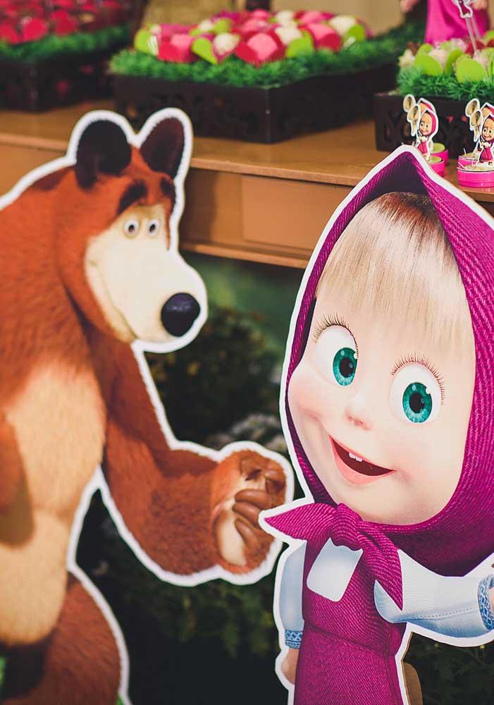 Use e abuse da criatividade na hora de fazer uma bela decoração Masha e o Urso.