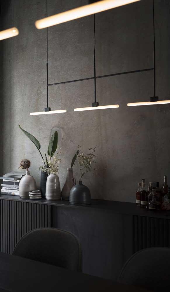 A luminária de teto pode ser usada apenas para destacar uma área do ambiente.
