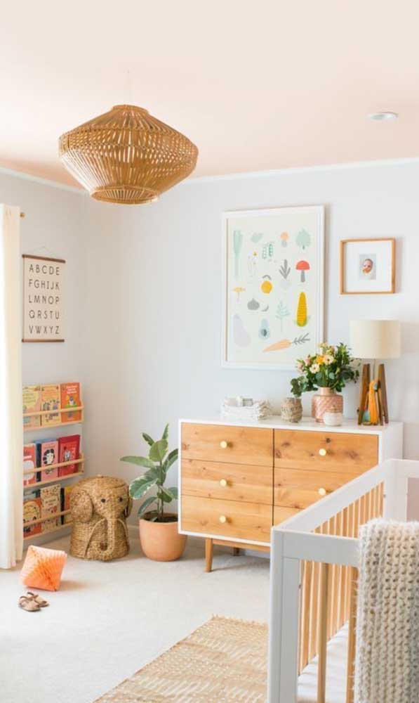 Olha que luminária de teto infantil mais fofa para colocar no quarto do seu filho.