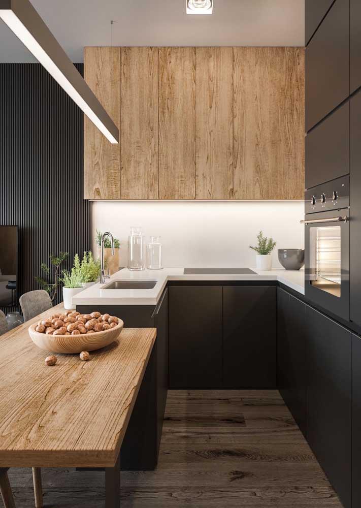 A madeira dá o toque especial na decoração da sua cozinha.