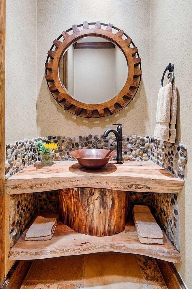 Olha que banheiro chique, elegante e rústico.