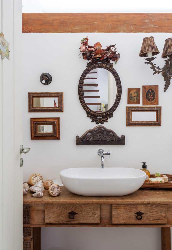 A madeira de demolição pode ser usada de várias formas na decoração da casa.
