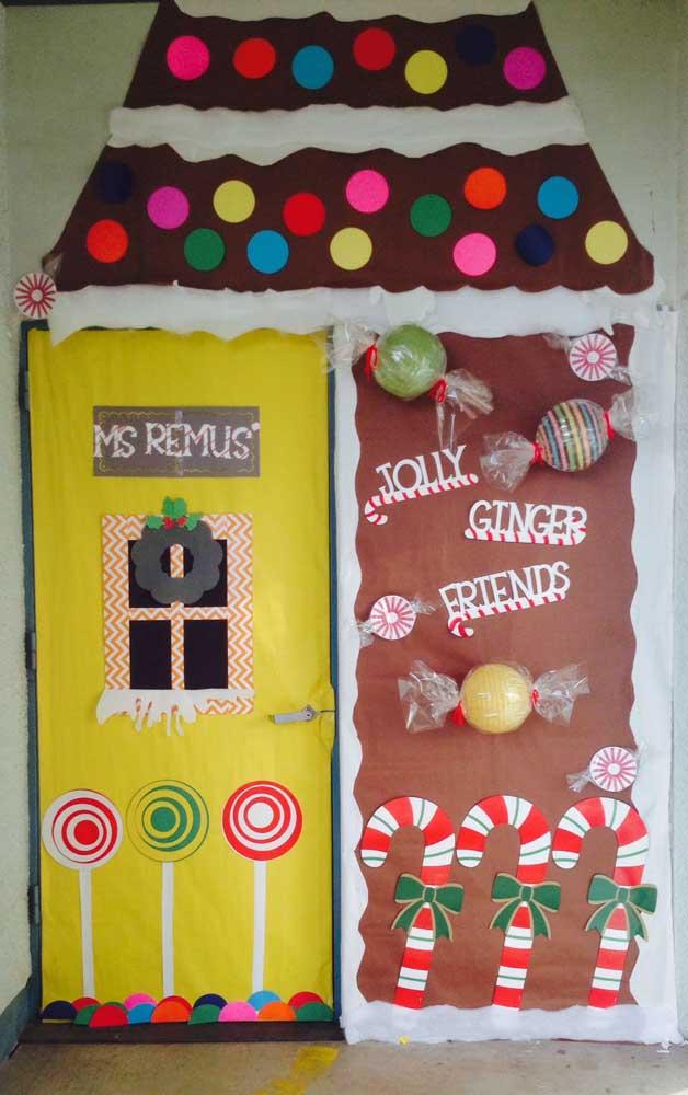O painel de natal para educação infantil precisa ser criativo e colorido para chamar atenção das crianças.