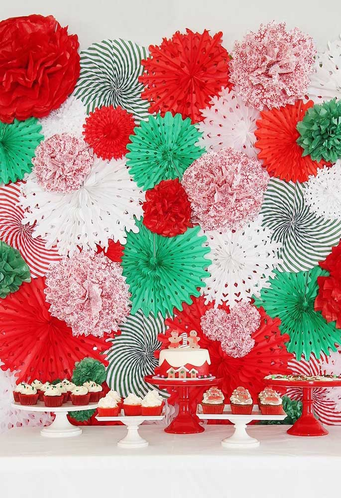 Já pensou como você vai fazer o painel de natal? Que tal se inspirar nessa ideia?