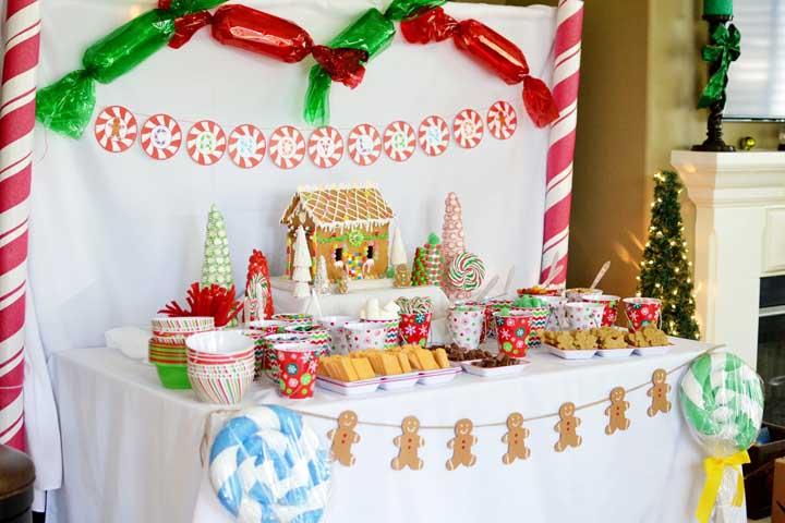 Nas festas infantis vale usar a imaginação para fazer um painel diferenciado para a decoração de natal.