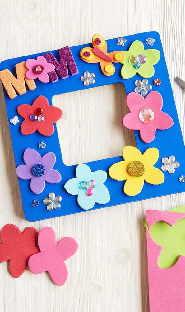 Que tal fazer um porta retrato de EVA para o dia das mães?