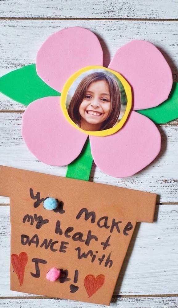 O que acha de colocar as crianças para fazerem seus próprios porta retratos?