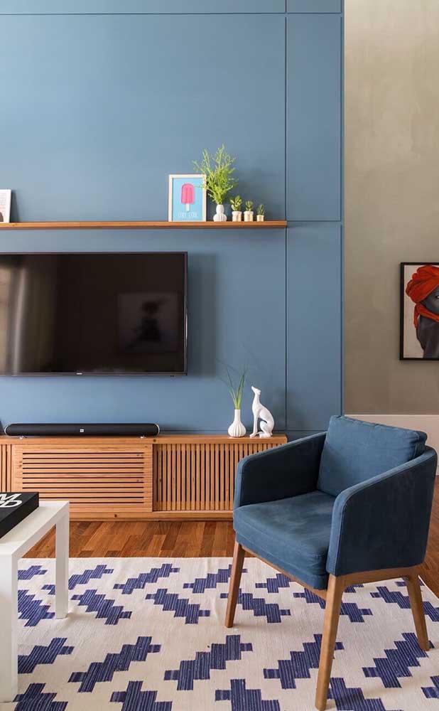 A cor azul é a escolhida para ser predominante na decoração.