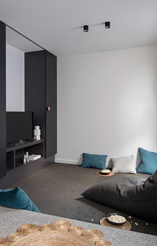 A sala de TV pode ser o espaço de entretenimento dentro de casa.