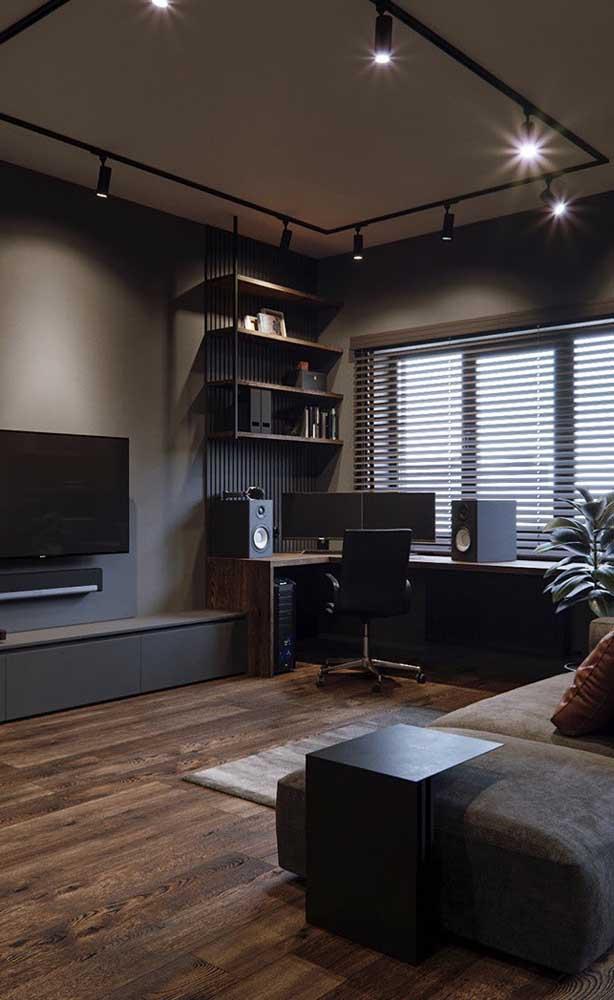 Além disso, verifique o espaço entre a TV e sofá para ter uma boa visibilidade.