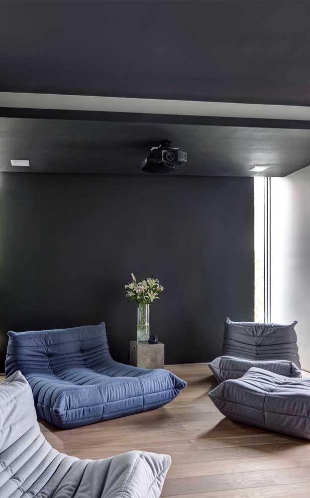 Que tal transformar a sua sala de TV em um verdadeiro cinema?