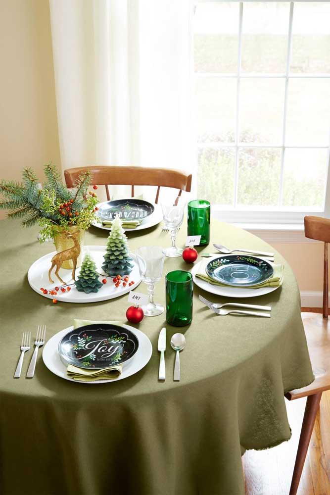 Os arranjos de natal para mesa são os mais procurados por que as pessoas querem ter uma ceia linda.