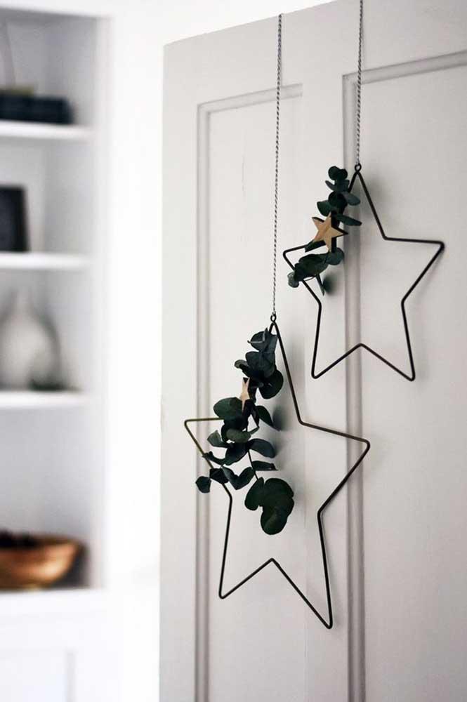 Faça arranjos de natal para porta para receber muito bem seus convidados.