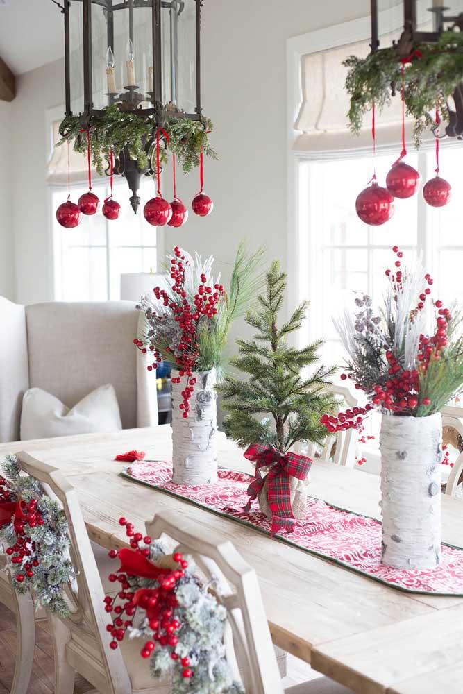 A cor vermelha é predominante em qualquer decoração natalina.