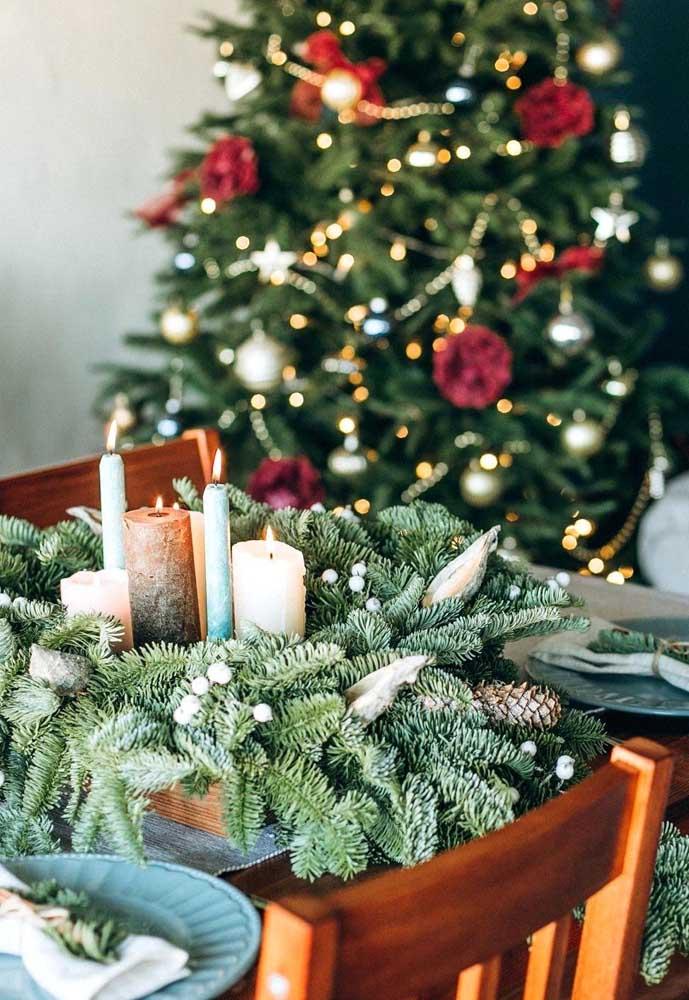Você mesmo pode fazer os arranjos de natal da sua casa.
