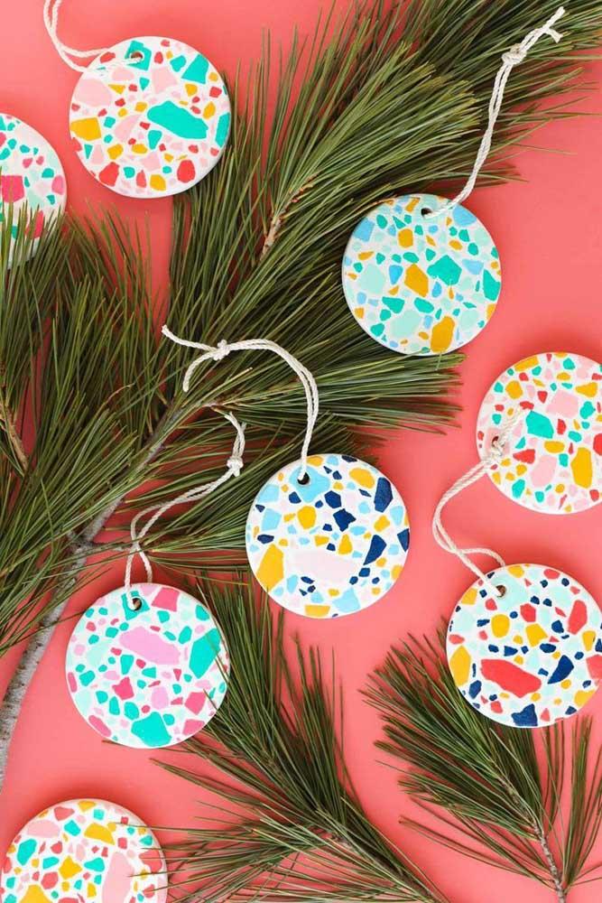 Já pensou em usar texturas como essas na hora de fazer as bolas de natal?