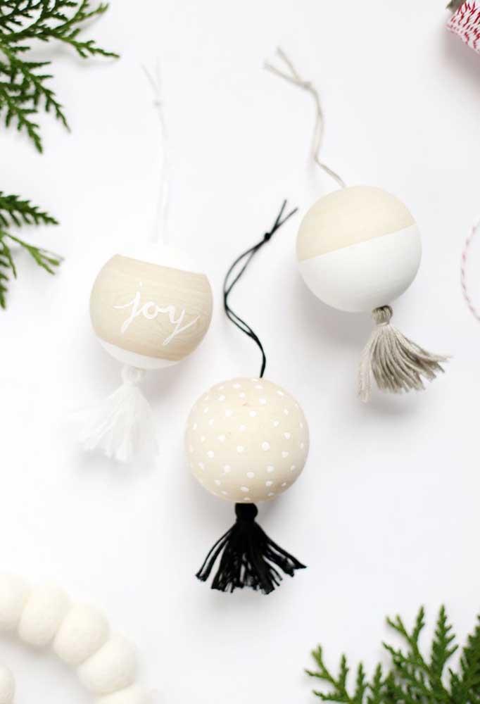 Você acredita que são bolas de natal de isopor?