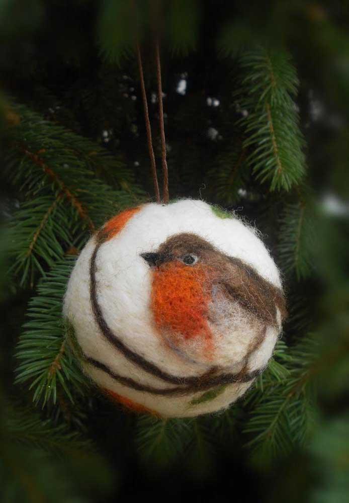 O que acha de fazer bolas de natal personalizada como essa?