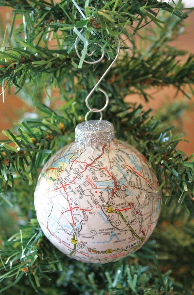 Para aqueles que amam viajar, nada melhor do que fazer uma bola com o mapa múndi.