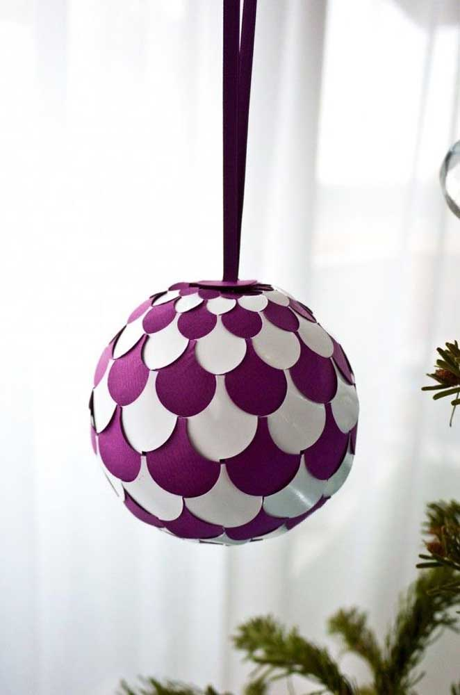 Chega de bolas de natal tradicionais, faça algo que combine com você.