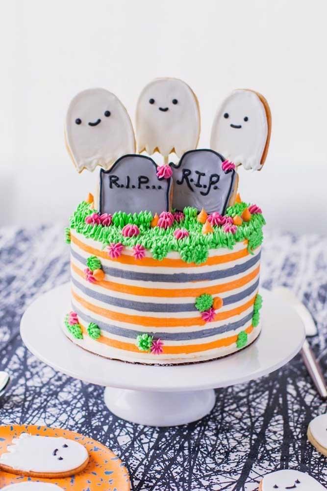 Que tal fazer um bolo diferente para o halloween? Aposte em algo mais colorido e divertido.