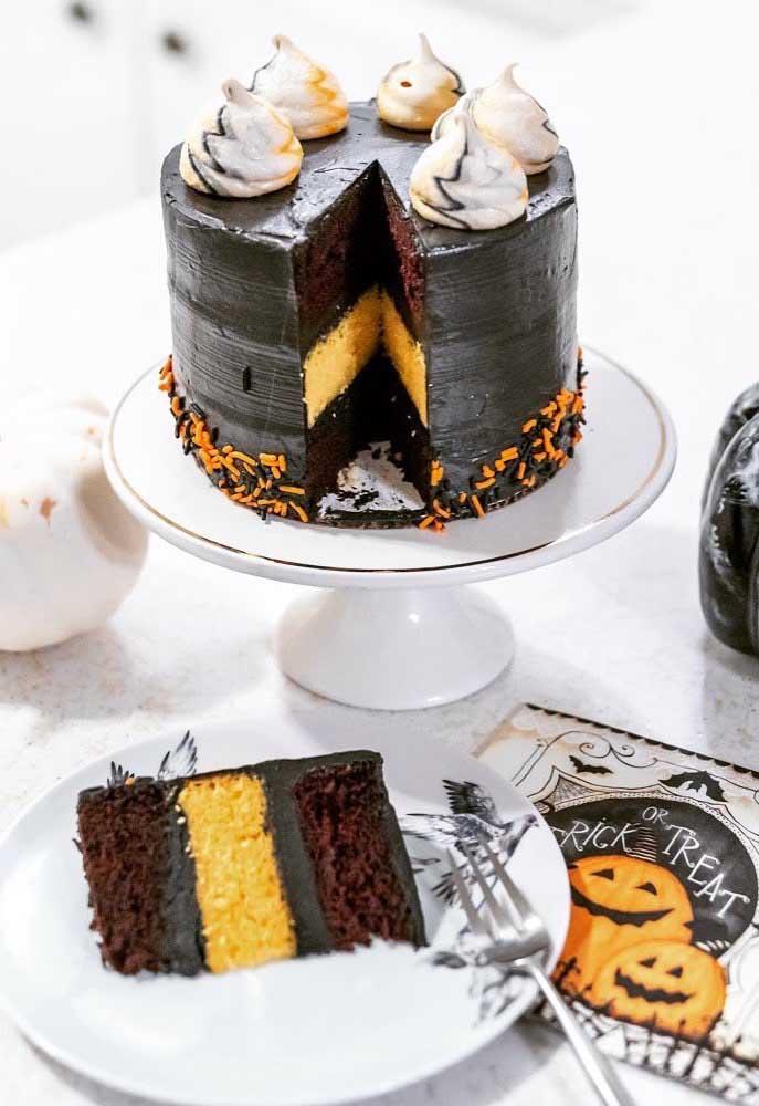O mais bacana é quando o bolo da festa é comestível e você pode experimentar um pedaço.