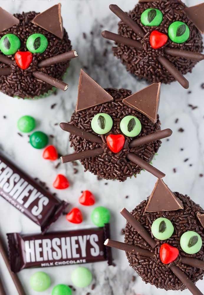 Nem tudo é assustador na festa halloween, principalmente, se for uma comemoração infantil.